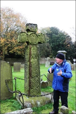 Mike guide Saxon Cross