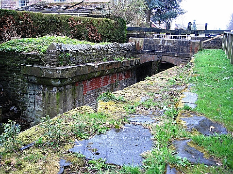 Path of Tramway across locks, and mounting block with hole